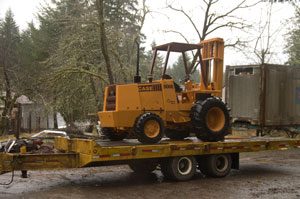 Trailer with forklift