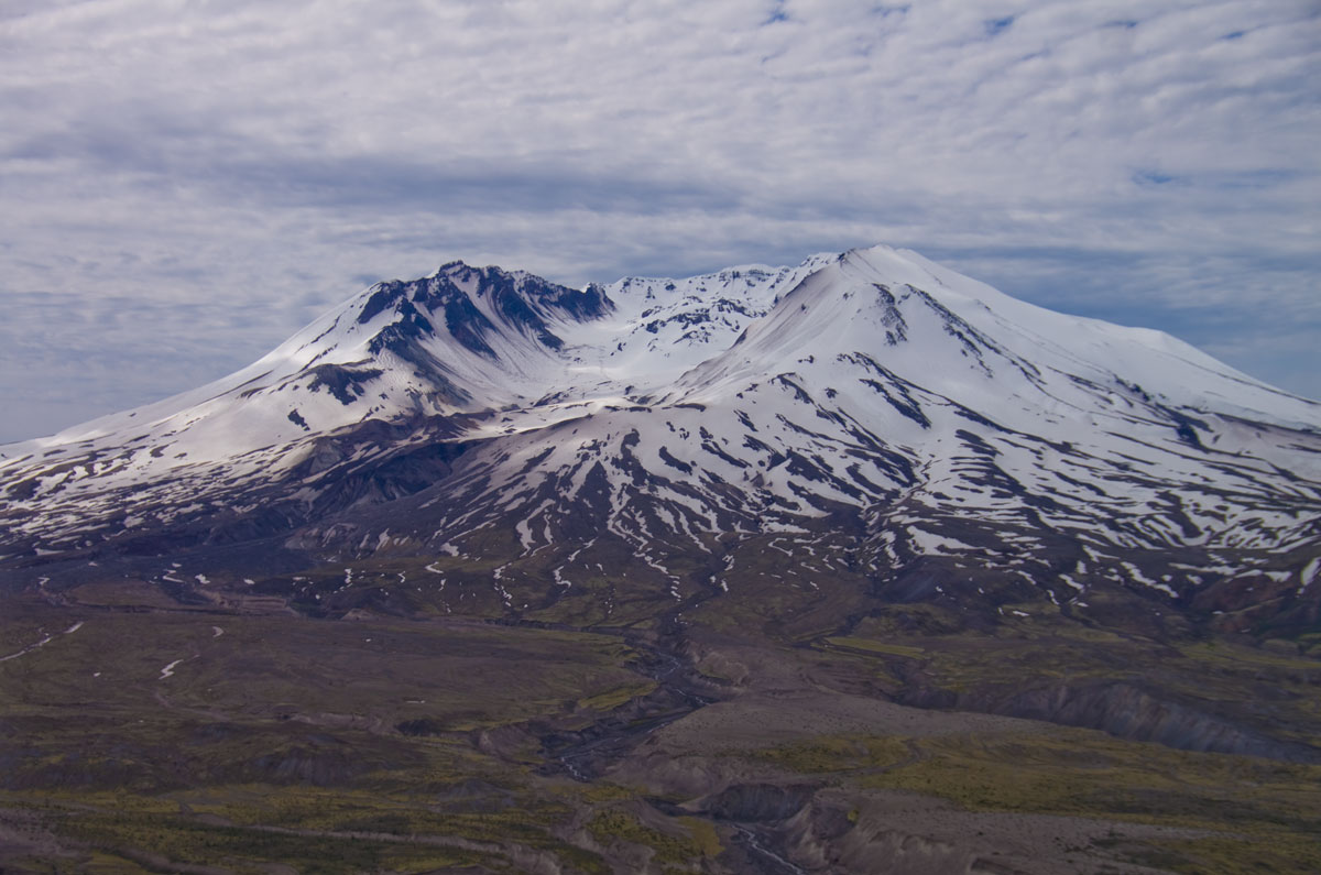 the eruption of mount saint helens The history of mt st helens eruption and erupting periods including native american history and historical accounts of the volcano previous eruptive history.