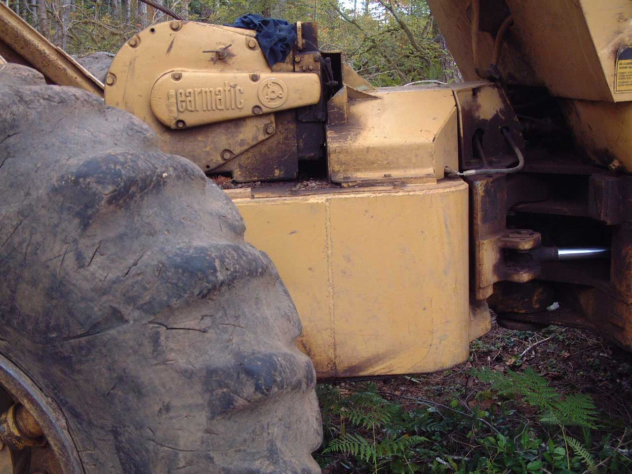 Cat 528 log Skidder with Esco Swing Grapple