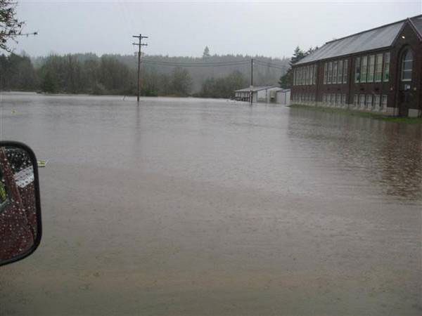 flood2.jpg - 41423 Bytes