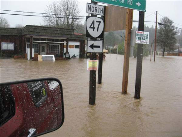 flood3.jpg - 41423 Bytes