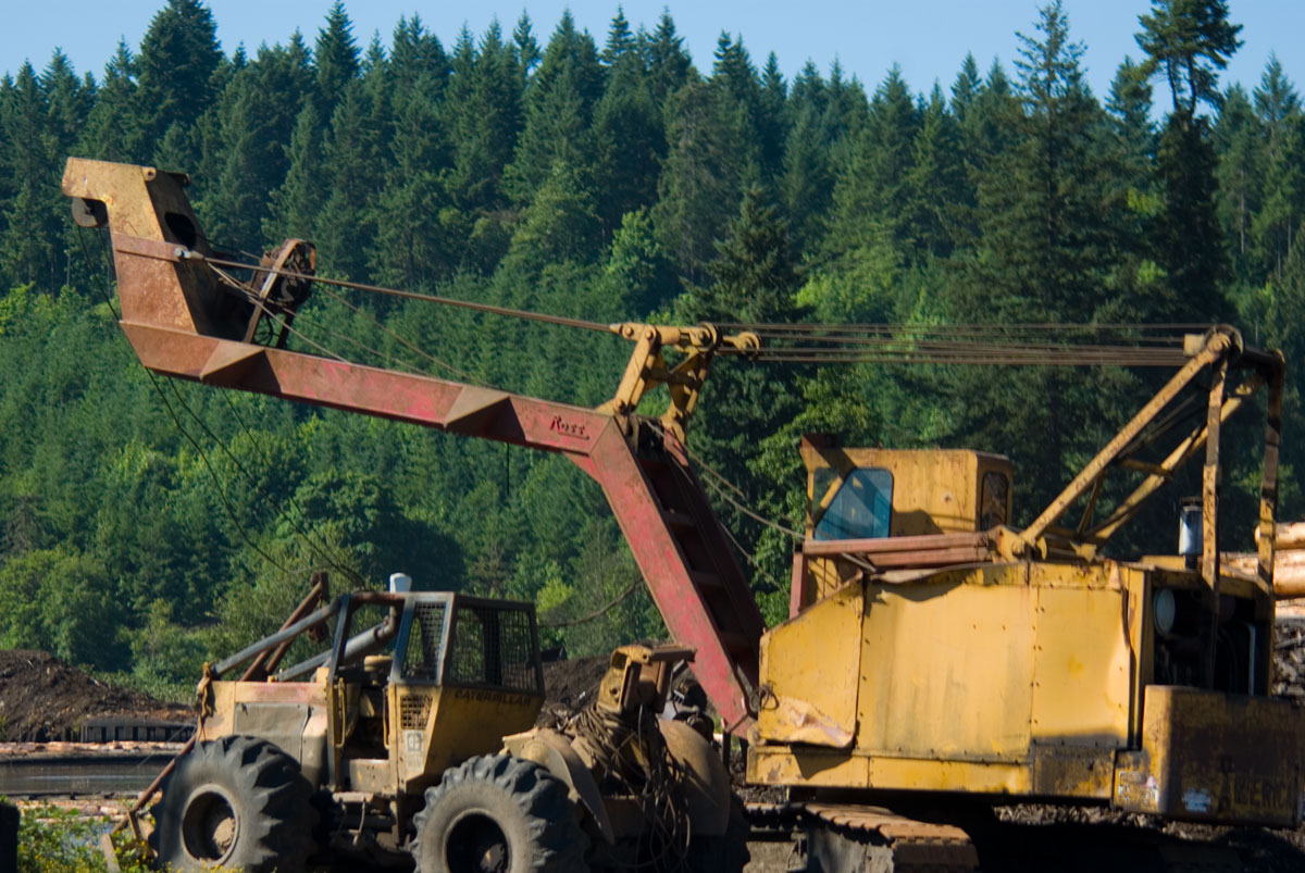 trace cyrus: Cable logging equipment is