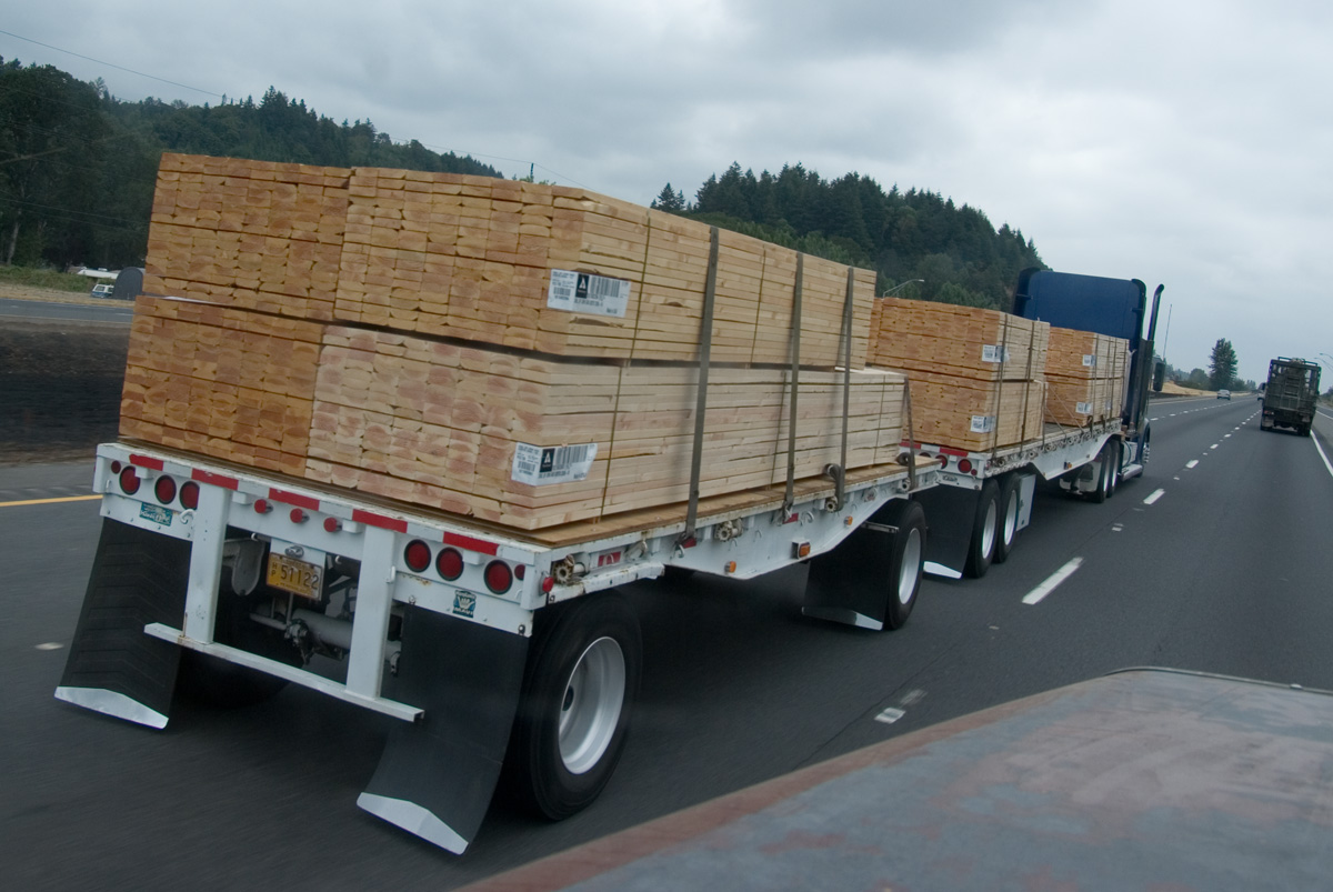 File:Volvo lumber truck Finland.jpg - Wikimedia Commons